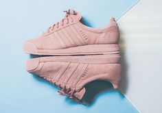 You heard it here first, folks, the adidas Samoa is making a major comeback this summer. And it all starts here with this premium presentation of the classic adidas silhouette, featured in luxurious pigskin suede uppers and stylish tonal colorways. … Continue reading →
