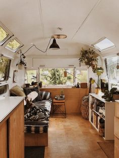 Vintage Home Natasha's Renovated Airstream Sovereign For Sale, Seattle - Natasha from Tin Can Homestead worked hard to renovate her Airstream Sovereign, and now she's selling it it's sold. The Airstream is so beautiful it's been featured in m… Rv Remodel, Interior Design, Remodel, House, Airstream Renovation, Home, Interior, Rv Homes, Van Home