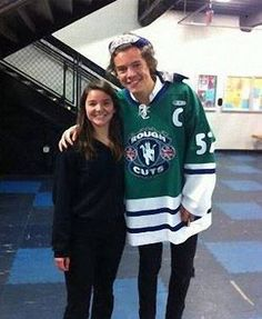 Harry Styles(: he is at the kings rink.... why the kings why