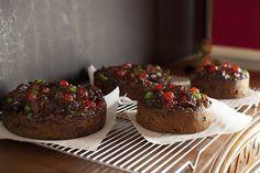 Christmas dark fruitcake - one hundred year old recipe Christmas Desserts, Christmas Baking, Christmas Fruitcake, Christmas Cakes, Christmas Goodies, Christmas Treats, Diy Christmas, Old Recipes, Baking Recipes