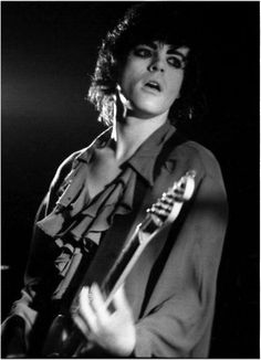 Teddy Edwards, Richey Edwards, 70s Music, Britpop, Cool Bands, Rock N Roll, Going Out, Idol, People