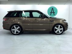 – Land Rover Range Rover Sport