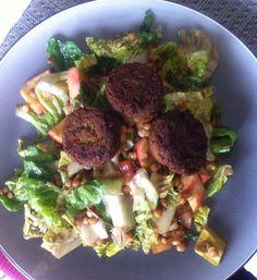 Balsamic vinegarette salad with avocado, lentil and falafel