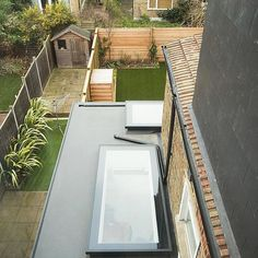 4 Genuine Tips AND Tricks: Metal Roofing Shed slate roofing repair.Concrete Roofing Section slate roofing gardens. Fibreglass Flat Roof, Flat Roof Skylights, Roof Extension, Extension Ideas, Glass Extension, Modern Roofing, Pergola With Roof, Cheap Pergola, Diy Pergola