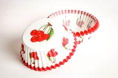 Pirottini CUPCAKE base di carta ciliegia 50pz di buyititaly su DaWanda.com