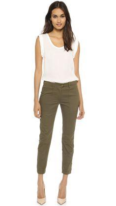 Military Pants Women, Cargo Pants Women, Outfits Pantalon Verde, Cargo Pants Outfit, Workout Capris, Veronica Beard, Women's Leggings, Capsule Wardrobe, Clothes For Women