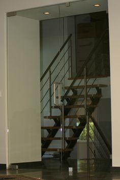 Hardglazen deur met zijlicht Stairs, Home Decor, Stairway, Decoration Home, Staircases, Room Decor, Stairways, Interior Design, Home Interiors