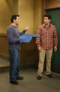 Friends ~ Episode Stills ~ Season 10, Episode 8: The One With the Late Thanksgiving #amusementphile