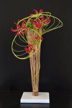 Arrangement Floral Ikebana, Contemporary Flower Arrangements, Tropical Flower Arrangements, Flower Arrangement Designs, Funeral Flower Arrangements, Funeral Flowers, Flower Designs, Art Floral, Deco Floral