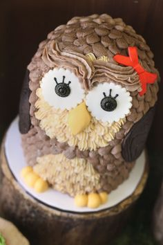 Montreal Confections: Easy buttercream owl cake tutorial