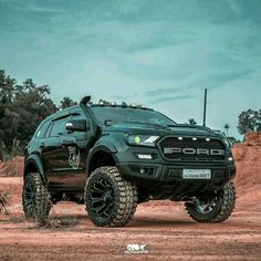 Here's the monster👹 Ford with The King👑 wheels Jeep Pickup Truck, Vintage Pickup Trucks, Classic Pickup Trucks, Suv Trucks, Suv Cars, Ford Endeavour, Ford Ranger Wildtrak, Classic Car Insurance, Ford Ecosport