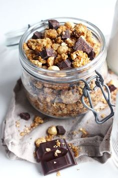 Homemade granola with applesauce. Healthy Apple Desserts, Healthy Food, Healthy Recipes, Cas, Compote Recipe, Vegan Granola, Good Food, Yummy Food, Yummy Yummy