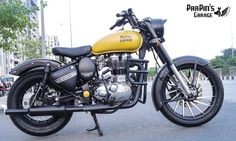 Royal Enfield Classic 350 in Matte Yellow by ParPin's Garage royal enfield black color 350 - Black Things Bullet Modified, Royal Enfield Classic 350cc, Royal Enfield Wallpapers, Bullet Bike Royal Enfield, Duke Bike, Royal Enfield Modified, Motorcycle Manufacturers, Super Bikes, Vintage Bikes