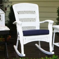 Best White Wicker Furniture! Discover the best white wicker chairs, furniture sets, rocking chairs, and dining chairs for your home.