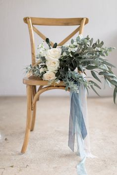 A Timelessly Romantic Modern-Vintage Wedding in Heavenly Shades of Blue & Greyed Jade