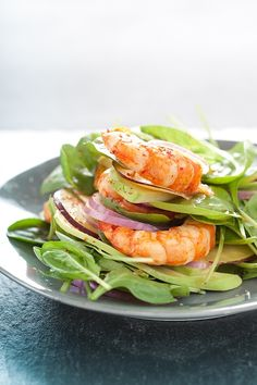 baby leaf spinach, red onion, shrimp, and avocado.
