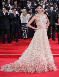 """Stephanie Sigman in Marchesa attends the Royal Film Performance of """"Spectre""""at Royal Albert Hall. #bestdressed"""