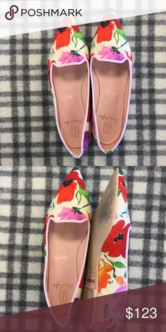 Spotted while shopping on Poshmark: Pretty Ballerinas Pointy Toe Floral Flats! #poshmark #fashion #shopping #style #Pretty Ballerinas #Shoes