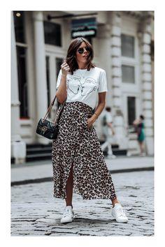 3 Easy And Cheap Tricks: Urban Fashion Makeup Eyebrows urban wear women clothing.Urban Fashion Model New York women's urban fashion jeans. Fashion Catwalk, Nyc Fashion, Girl Fashion, Autumn Fashion, Fashion Looks, Fashion Outfits, Womens Fashion, Fashion Shoot, Hipster Grunge