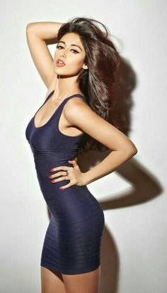 Ileana back with an Item Song ! Ileana D'cruz Hot, Perfect Figure, Cute Beauty, Most Beautiful Women, Pretty Face, Indian Beauty, Bollywood Actress, Sexy Legs, Indian Actresses