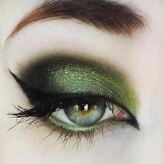 Pretty Witch Makeup for Girls | We are sharing Latest Smoky Eyes Makeup 2013 Hope you like it