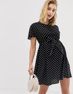 Order ASOS DESIGN Maternity Nursing mini wrap dress in mono spot print online today at ASOS for fast delivery, multiple payment options and hassle-free returns (Ts&Cs apply). Get the latest trends with ASOS. Asos Maternity, Polka Dot Maternity Dresses, Maternity Nursing, Going Out Outfits, Moda Online, Swing Dress, Gingham, Casual Dresses, Wrap Dress