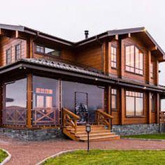 Casas de estilo clásico de good wood clásico | homify House In The Woods, My House, Log Home Kits, Exterior Paint Colors For House, Craftsman Style Homes, Wooden House, Log Homes, Home Fashion, My Dream Home