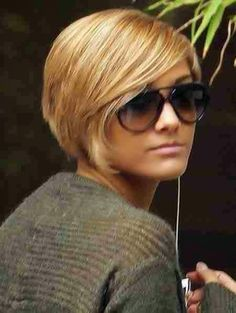 Look cool Short Blonde Hairstyles img9b42a0bfbb902b198