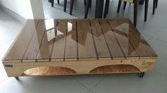 mesa de centro con vidrio opaco