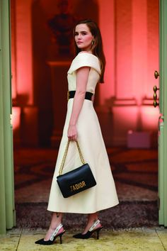 Zoey Deutch Is 'Never Leaving France' After Parfum Christian Dior Dinner: Photo Zoey Deutch is a vision in white while attending the Parfums Christian Dior cocktail dinner on Monday (May in Cannes, France. The actress was joined… Next Fashion, Only Fashion, High Fashion, Women's Fashion, Fashion Outfits, Celebrity Dresses, Celebrity Style, Look Star, Nice Dresses