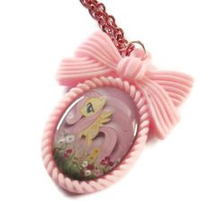 My Little Pony Cameo, Fluttershy necklace
