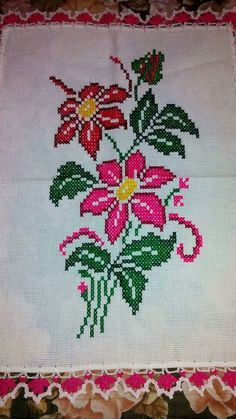 1 million+ Stunning Free Images to Use Anywhere Cross Stitch Rose, Cross Stitch Flowers, Cross Stitch Charts, Cross Stitch Patterns, Filet Crochet, Crochet Motif, Embroidery Stitches, Hand Embroidery, Free To Use Images