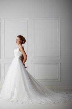 Mecco hääpuku MW10033 Wedding Dresses, Fashion, Bride Dresses, Moda, Bridal Wedding Dresses, Fashion Styles, Weding Dresses, Dress Wedding, Wedding Dressses