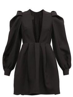 Kimono Fashion, Hijab Fashion, Fashion Dresses, Iranian Women Fashion, Muslim Fashion, Mode Hijab, Tiered Dress, Crepe Dress, Wool Dress