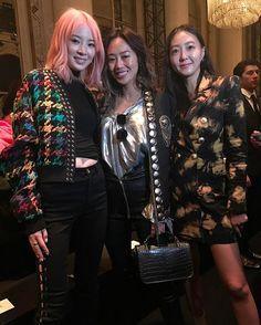 #발맹 쇼장 프론트로의 #아이린 @ireneisgood 과 #아미송 @songofstyle <보그> 디지털 디렉터(@jiyoungkim6364) 파워풀한 발맹 룩을 입고 뭉쳤군요! _ #Irene #AimeeSong and #DigitalDirector of #VogueKorea at the #frontrow of #Balmain all wearing powerful Balmain looks. #ireneisgood #songofstyle #IreneKim #FROW #PFW #FW17 #Vogue #巴黎 #巴黎时装周 #巴尔曼  via VOGUE KOREA MAGAZINE OFFICIAL INSTAGRAM - Fashion Campaigns  Haute Couture  Advertising  Editorial Photography  Magazine Cover Designs  Supermodels  Runway Models