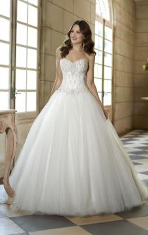 sparkling strapless sweetheart beaded corset ball gown wedding dress
