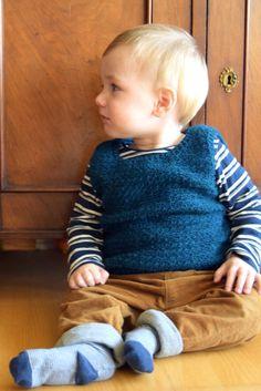 Hæklet vest til små drenge | Eponas dagbog Learn To Crochet, Crochet For Kids, Chrochet, Knit Crochet, Designer Baby, Baby Design, Diy Baby, Knitting, Children