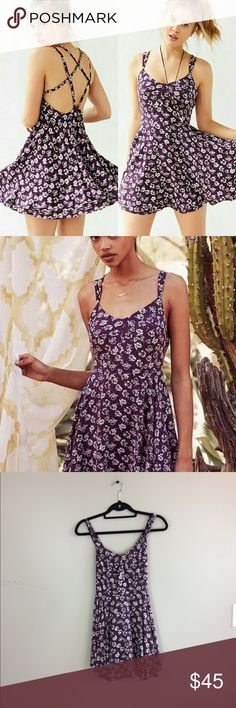 """OU Kimchi Blue Scarlett Fit And Flare Floral Dress From urban outfitters brand is kimchi blue. Retails for 69$ but is sold out online. No snags, holes or stains. Originally 69$. 33"""" length: no trades. Urban Outfitters Dresses Mini"""