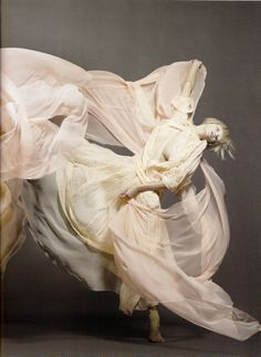Sølve Sundsbø – 'Invitation à la danse', Model: Elena Sudakova