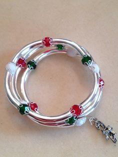 Christmas bracelet with charm by poshandplayful on Etsy, $25.00