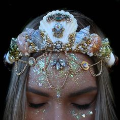 omg you guys, so these are one-of-a-kind, handmade tiaras by this shop called Chelsea's Flower Crowns. Maquillage Halloween, Halloween Makeup, Cute Jewelry, Hair Jewelry, Cheap Jewelry, Jewelry Necklaces, Bracelets, Seashell Crown, Mermaid Crown