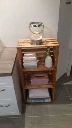 Meuble pour salle de bain Nightstand, Table, Furniture, Home Decor, Master Bathroom Vanity, Homemade Home Decor, Bedside Desk, Mesas, Home Furnishings