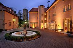 Hochzeitslocation Burg Stufeneck Stuttgart: http://www.hochzeitsregion-stuttgart.de/hochzeitslocation/