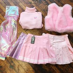 + outfits fashion, kawaii clothes ve pastel goth. Harajuku Fashion, Kawaii Fashion, Cute Fashion, Fashion Styles, Kawaii Clothes, Aesthetic Fashion, Aesthetic Clothes, Goth Aesthetic, Aesthetic Pastel