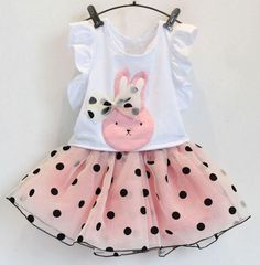 Very cute pink dress, polka dot clothing set for your little girls.  Product:dress Color:pink Material:cotton,polyester Decoration: polka,bows Clothing Set: tutu skirt and a tee(ruffled armhole) Accessories are NOT included. Dress ...