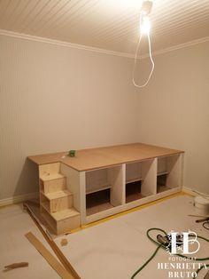 Room Design Bedroom, Small Room Bedroom, Home Room Design, Kids Bedroom, Diy Bedroom Decor, Small Room Design, Loft Bed Plans, Elevated Bed, Bedroom Closet Storage