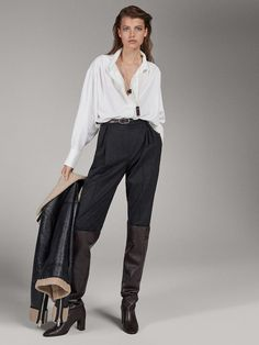 Women´s Catwalk Collection at Massimo Dutti online. Enter now and view our Spring Summer 2019 Catwalk Collection collection. Outfit Essentials, Chic Outfits, Fall Outfits, Fashion Outfits, Womens Fashion, Catwalk Collection, Summer Collection, Style Personnel, Thigh High Boots Heels