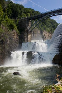 Croton Dam - New York http://www.stopsleepgo.com/vacation-rentals/new-york/united-states