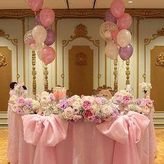 テーマはリボン 可愛らしくロマンチックな装花♡ 結婚式は夢の国ですね♡♡ #リボン #かわいい #ラブリー #ロマンチック #ピンク #バラ #かすみ草 #チュール #バルーン #風船 #キャンドル #パープル #りぼん #ふわふわ #結婚式 #婚礼 #婚礼装花 #装花 #花 #wedding #プレ花嫁 #花嫁 #装飾 #2人らしい結婚式 #横浜 #ハマフローリスト