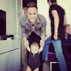 Olly Murs with baby Lux...not even fair!